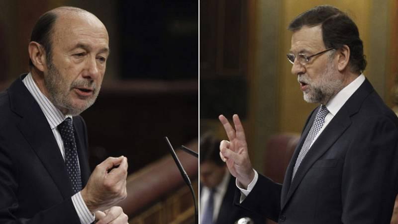 """Rubalcaba acusa de crear """"desigualdad social"""" a Rajoy, que le responde que """"no tiene autoridad moral"""""""