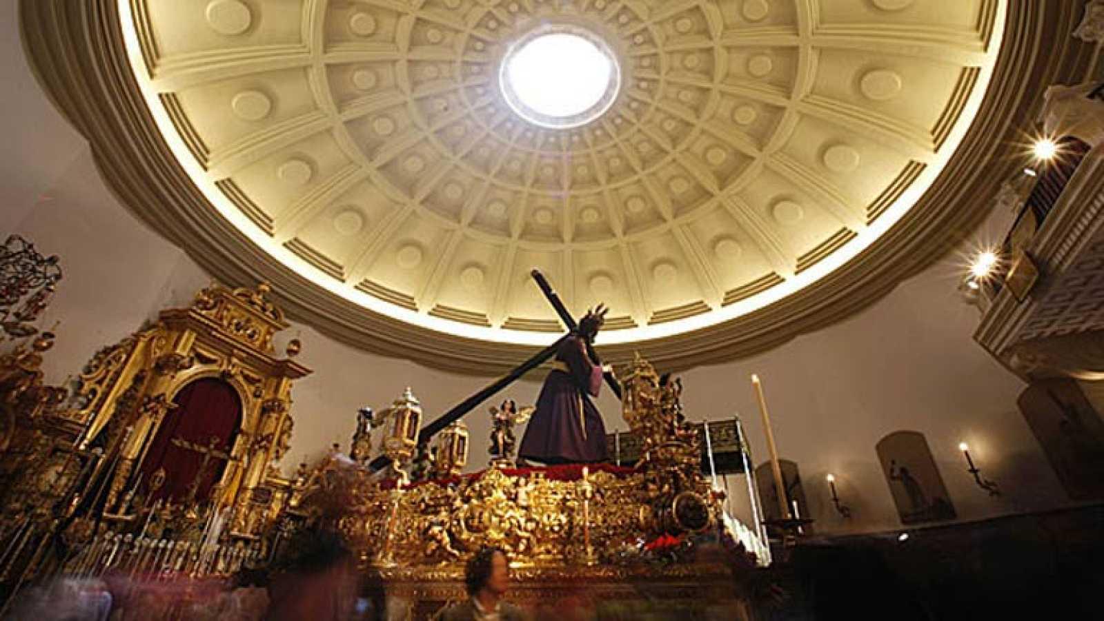 Oficios singulares y artesanos detrás de la Semana Santa de Sevilla