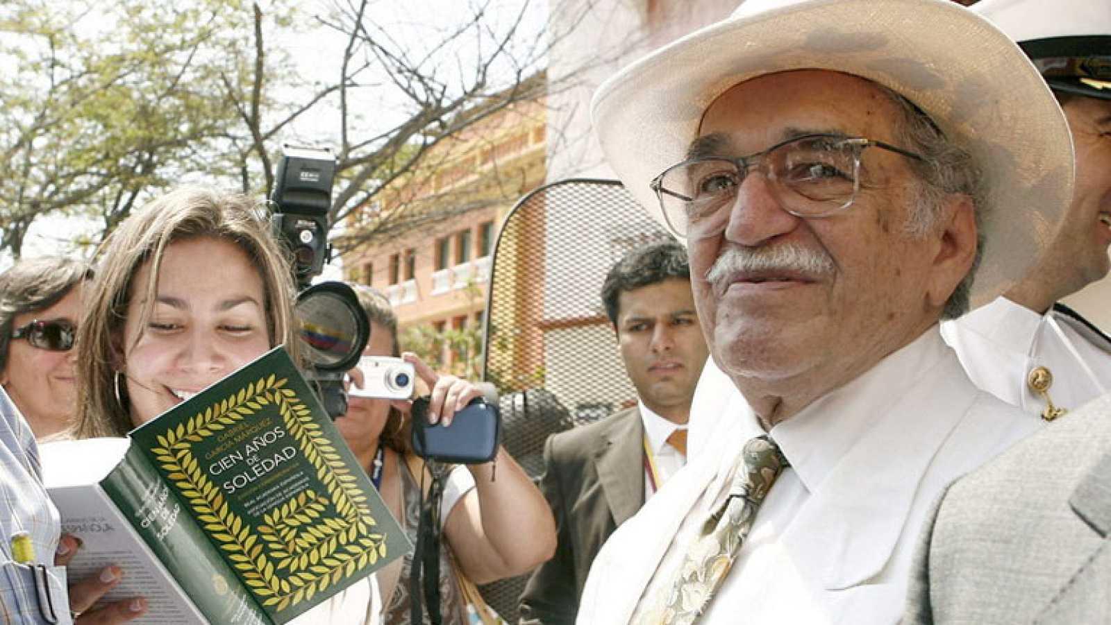 Resultado de imagen para Fotos: Gabriel García Márquez es declarado ganador del Premio Nobel de Literatura.