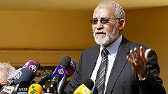 Condenan a muerte en Egipto al jefe de los Hermanos Musulmanes y a casi 700 islamistas