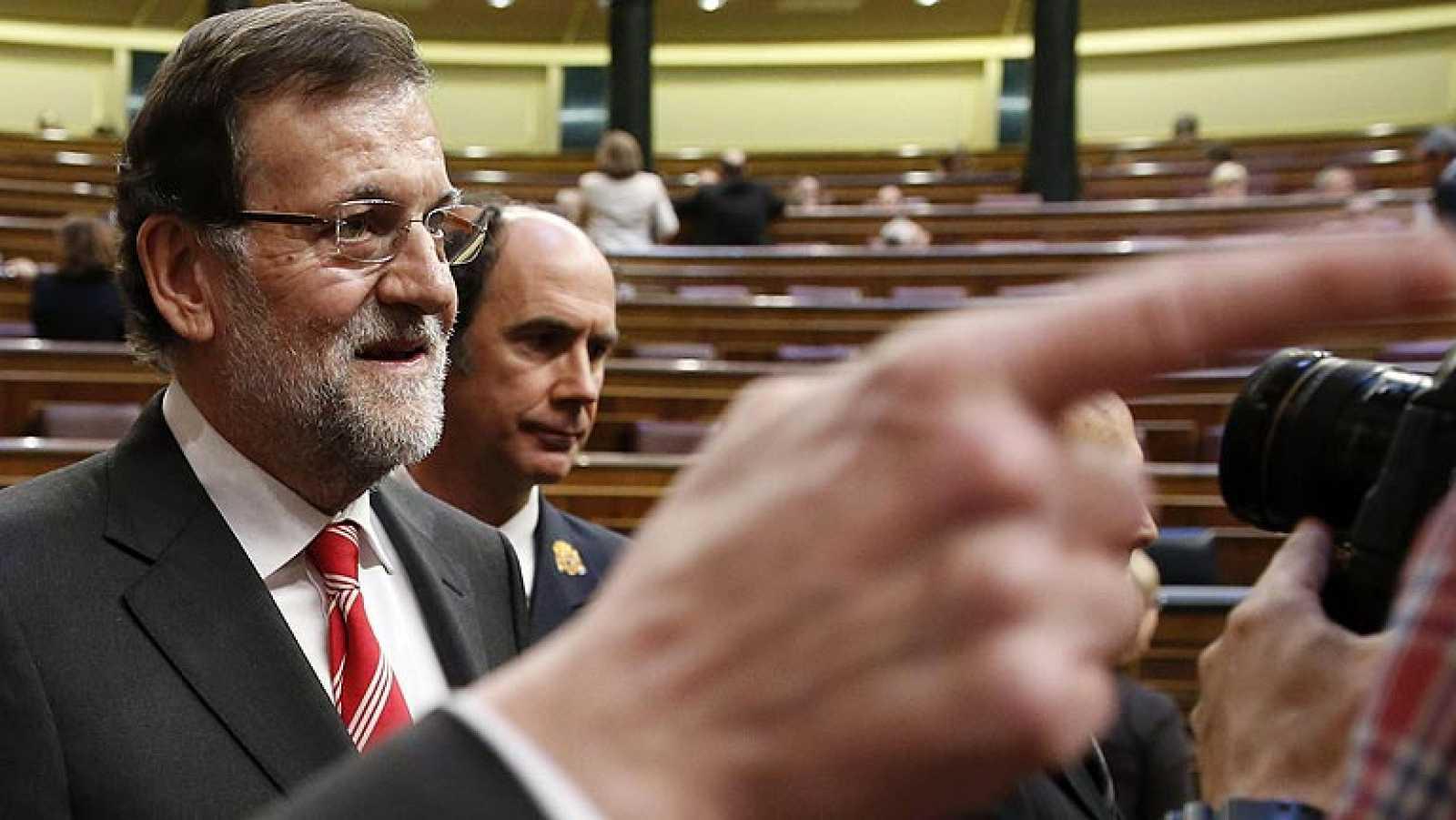 Rubalcaba critica el sistema de becas y Rajoy defiende que habrá más becados