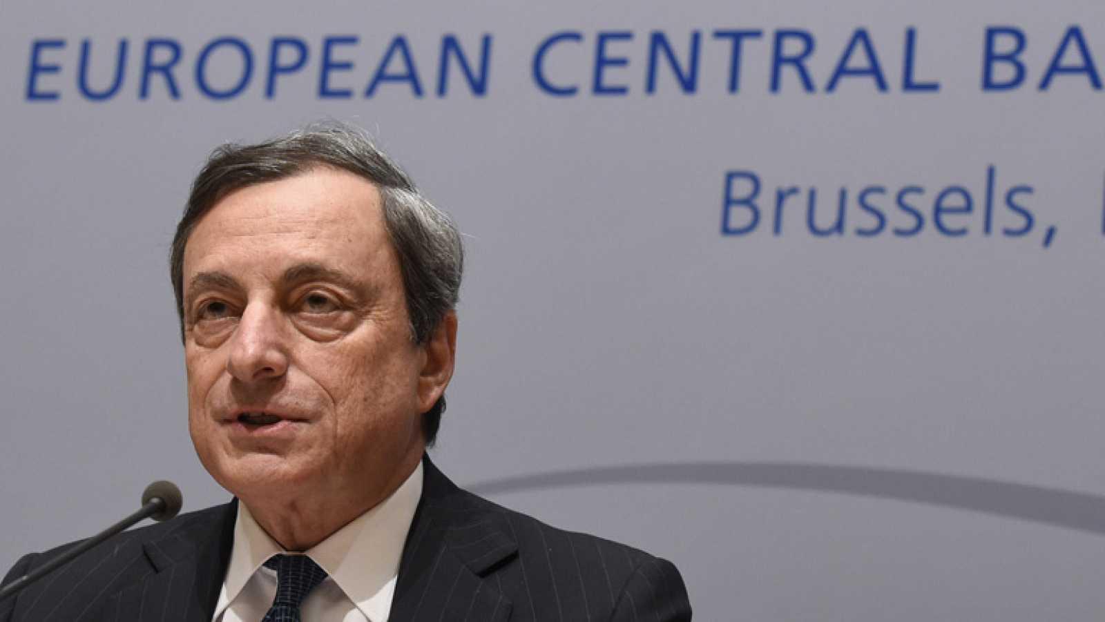 El presidente del BCE dice que hay consenso para actuar en junio si la inflación sigue baja
