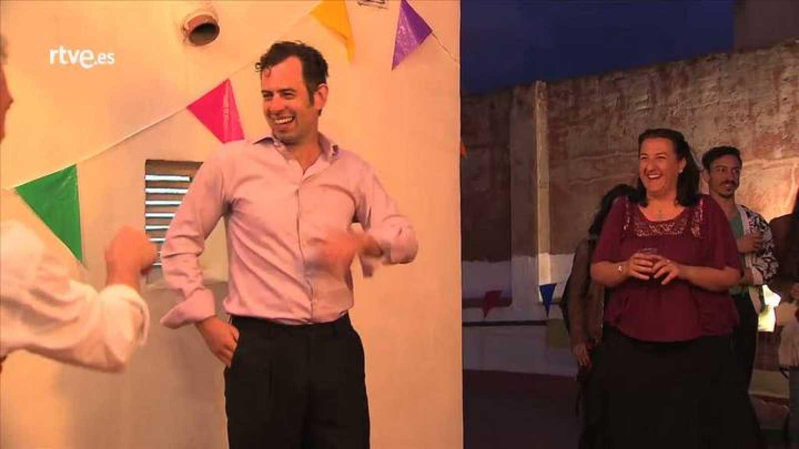 Escenas de la obra 'Que vaya bonito', del colectivo Teatro de Cerca