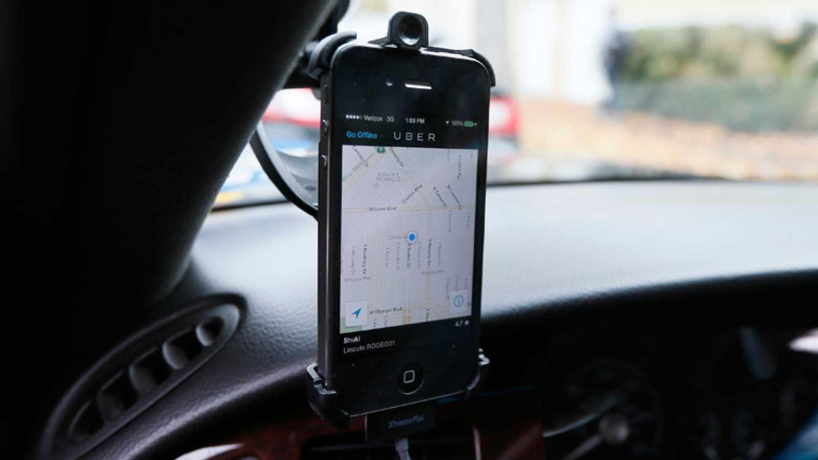 Uber mantiene contactos con las autoridades para clarificar su situación
