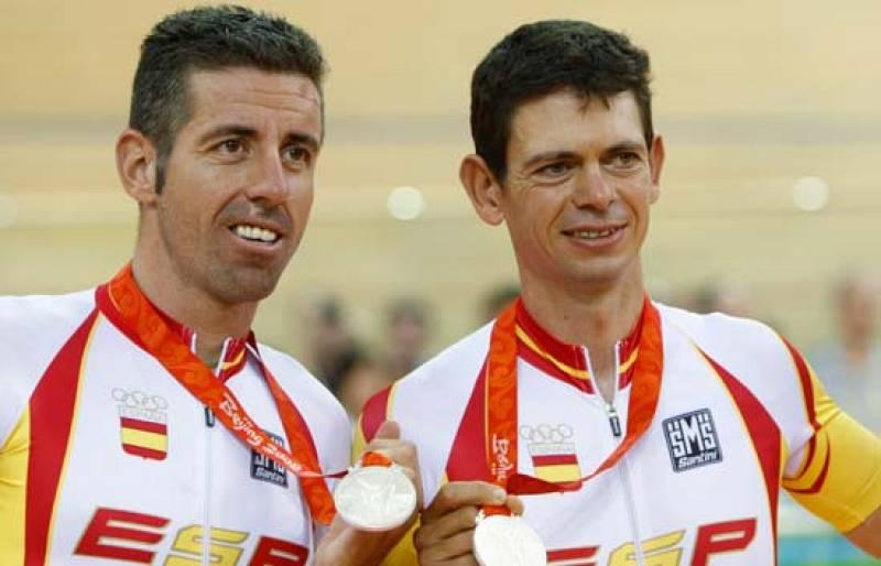 Llaneras y Tauler reciben la medalla de plata