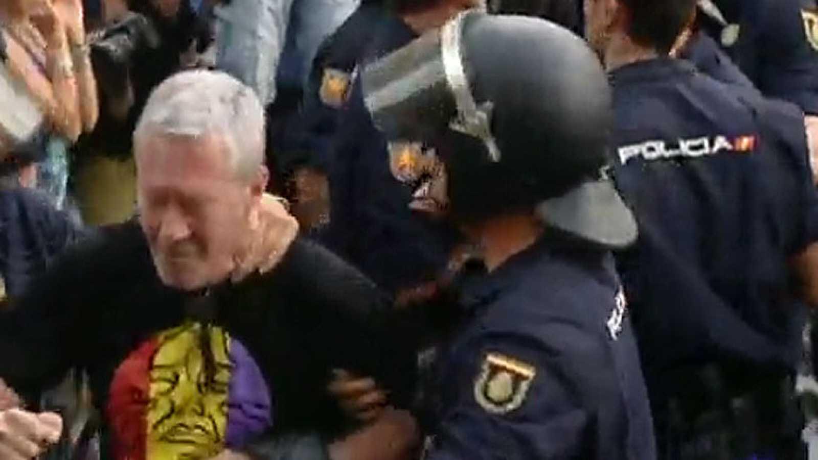 Nueve detenidos en Madrid, entre ellos Jorge Verstrynge, en manifestaciones republicanas tras la proclamación