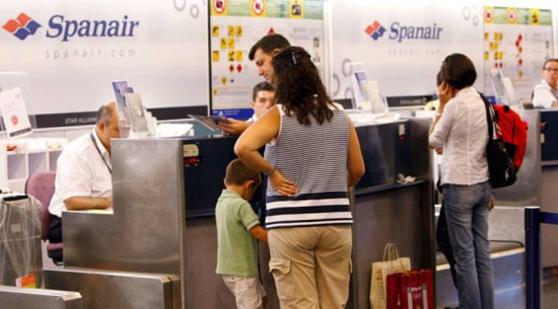 Las personas que cogen un vuelo después de una catástrofe aérea como la de Madrid tienen más miedo a volar, según los psicólogos.