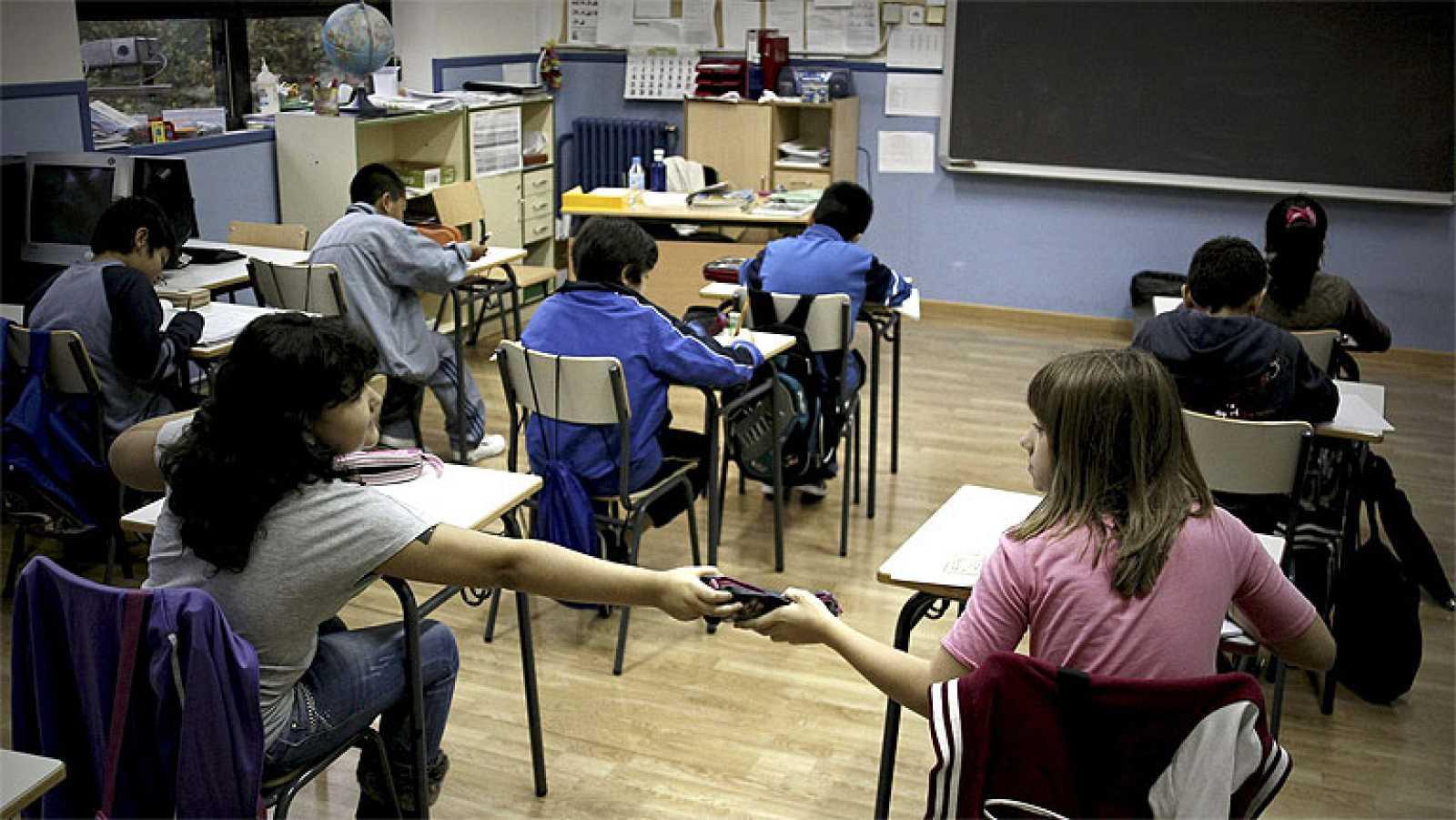 Los alumnos españoles por debajo de la media de la OCDE en competencias financieras