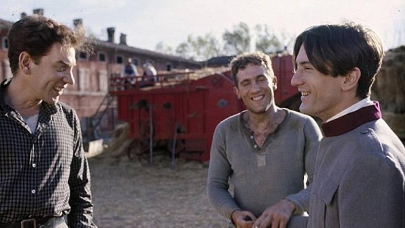 Este viernes, el Cine de La 2 ofrece la segunda parte de Novecento, la obra de Bernardo Bertolucci interpretada por Robert de Niro y Gerard Depardieu. Descubre en esta presentación algunas de los momentos claves de esta genial película.