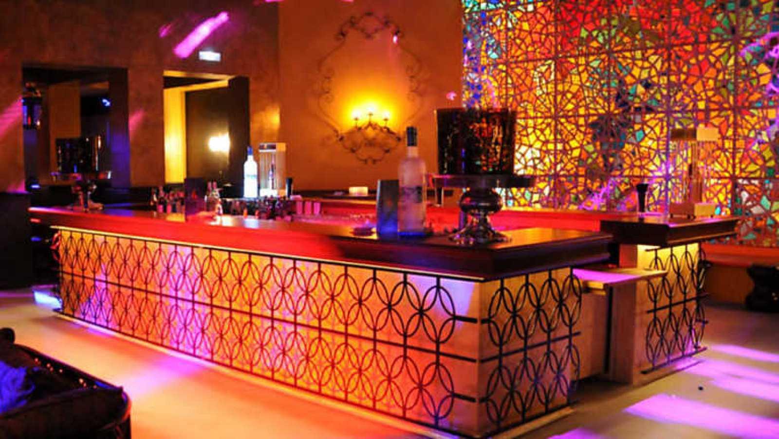 Vivan los bares - Discoteca Olivia Valere. Marbella - ver ahora