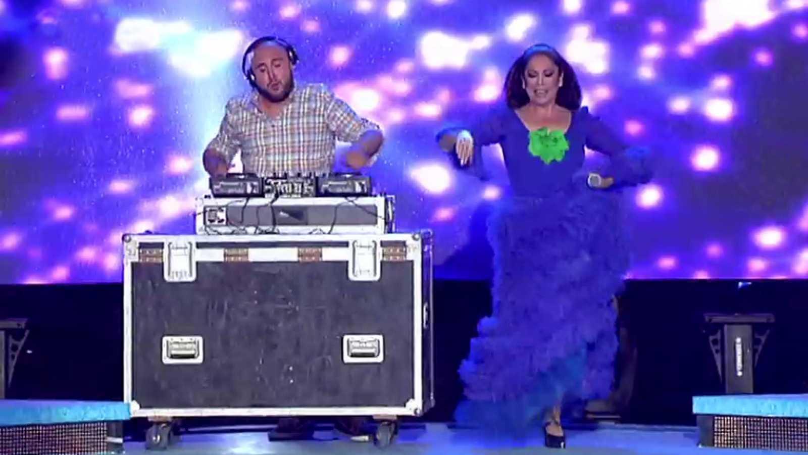 Sábado sensacional - Isabel Pantoja y Kiko Rivera cantan juntos por primera vez sobre un escenario