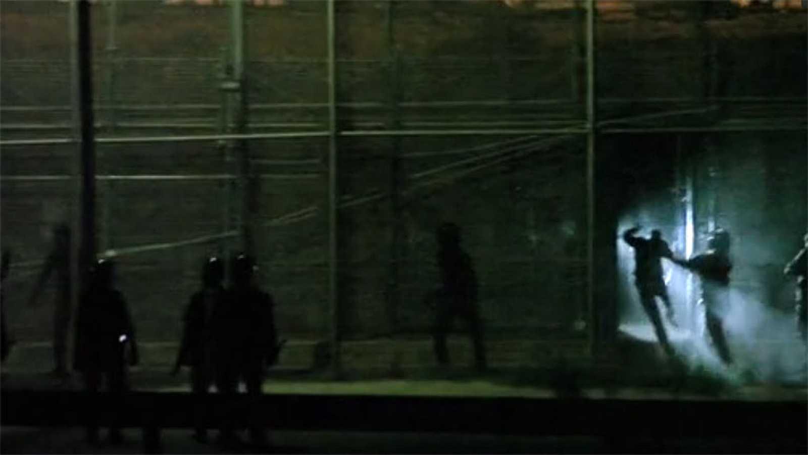 La ONG Prodein difunde un vídeo que muestra golpes a los inmigrantes en la valla de Melilla