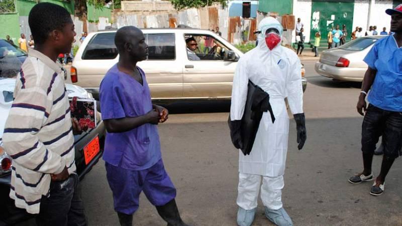 Tercera jornada del toque de queda contra el ébola en Sierra Leona
