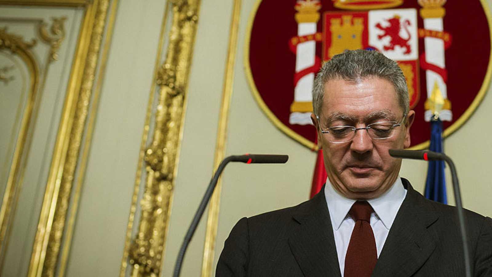 Gallardón dimite como ministro de Justicia y abandona la política tras la retirada de la reforma de la ley del aborto