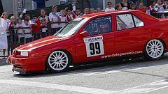 Jorge Lorenzo se divierte al volante en Alcañiz