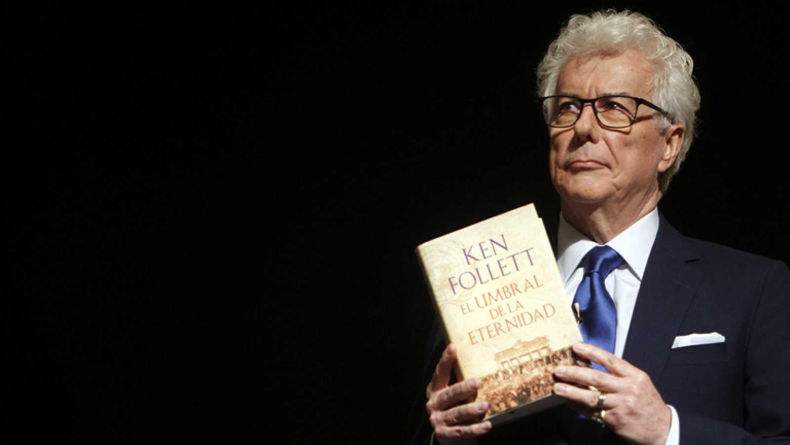 """Ken Follet presenta su última novela """"El umbral de la eternidad"""""""
