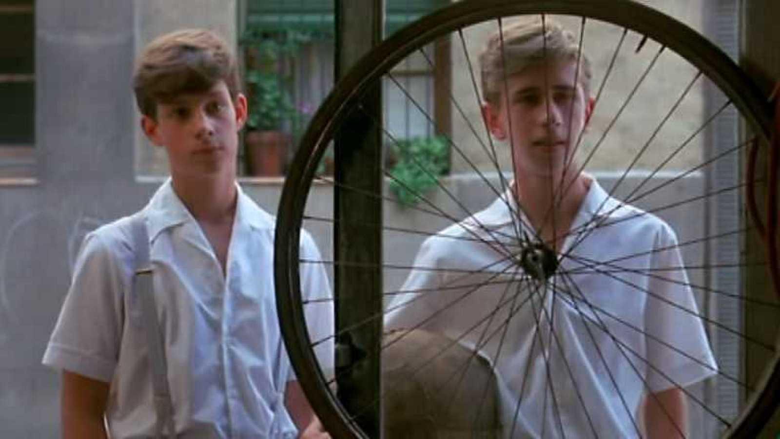 Versión española - Las bicicletas son para el verano - Ver ahora