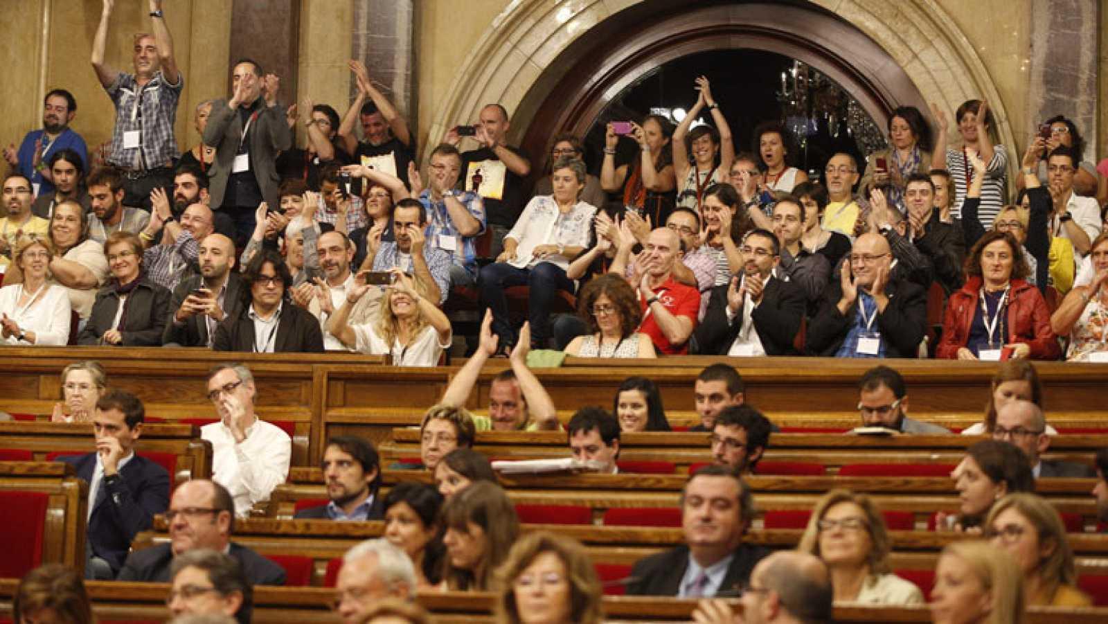 El Parlament aprueba la primera ley en España contra la homofobia
