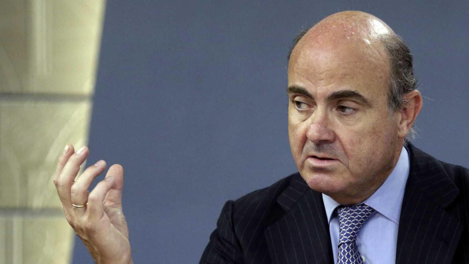 El ministro de Economía entiende la indignación de los ciudadanos