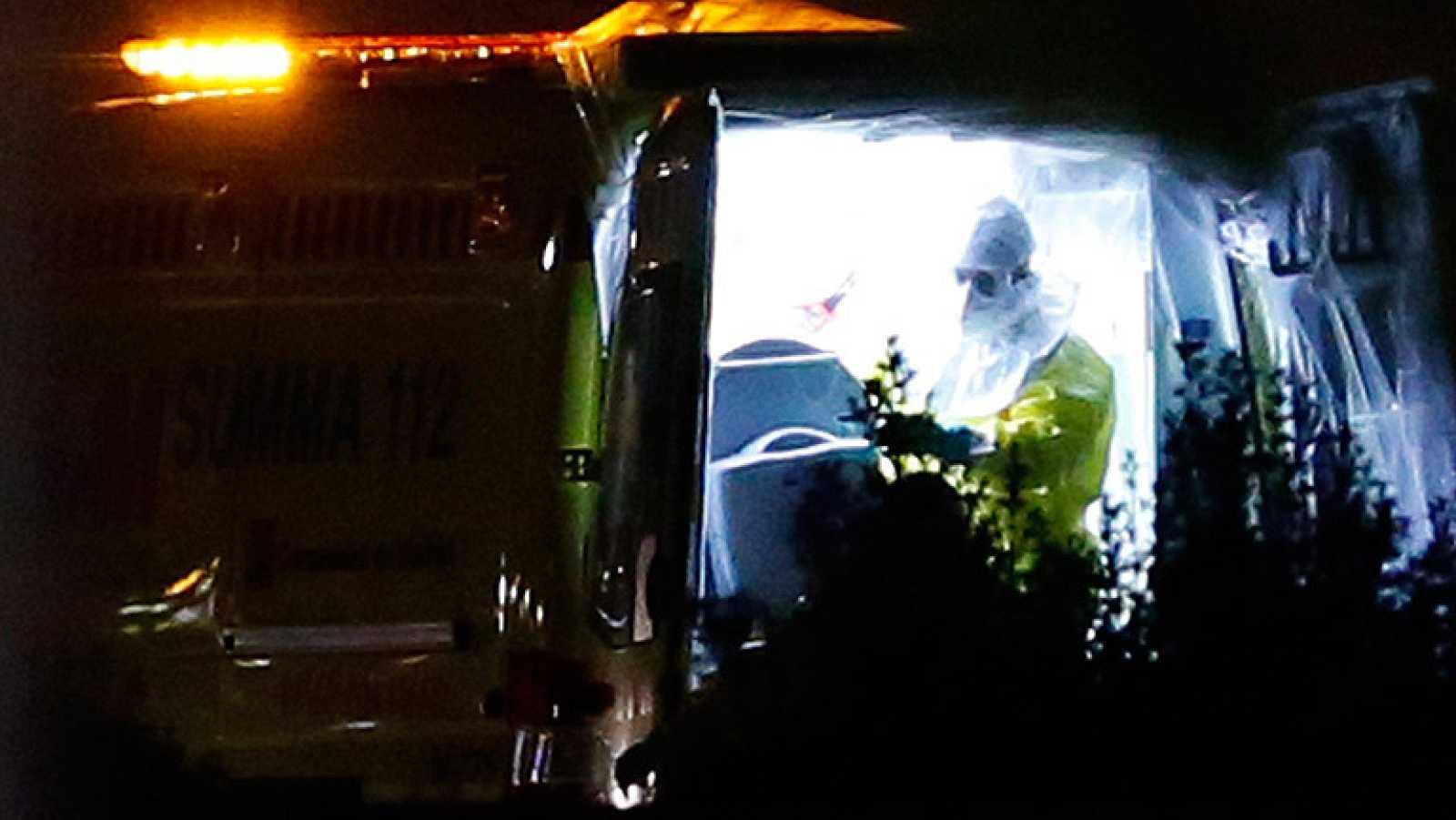 Trasladada al hospital Carlos III la auxiliar de enfermería contagiada de ébola