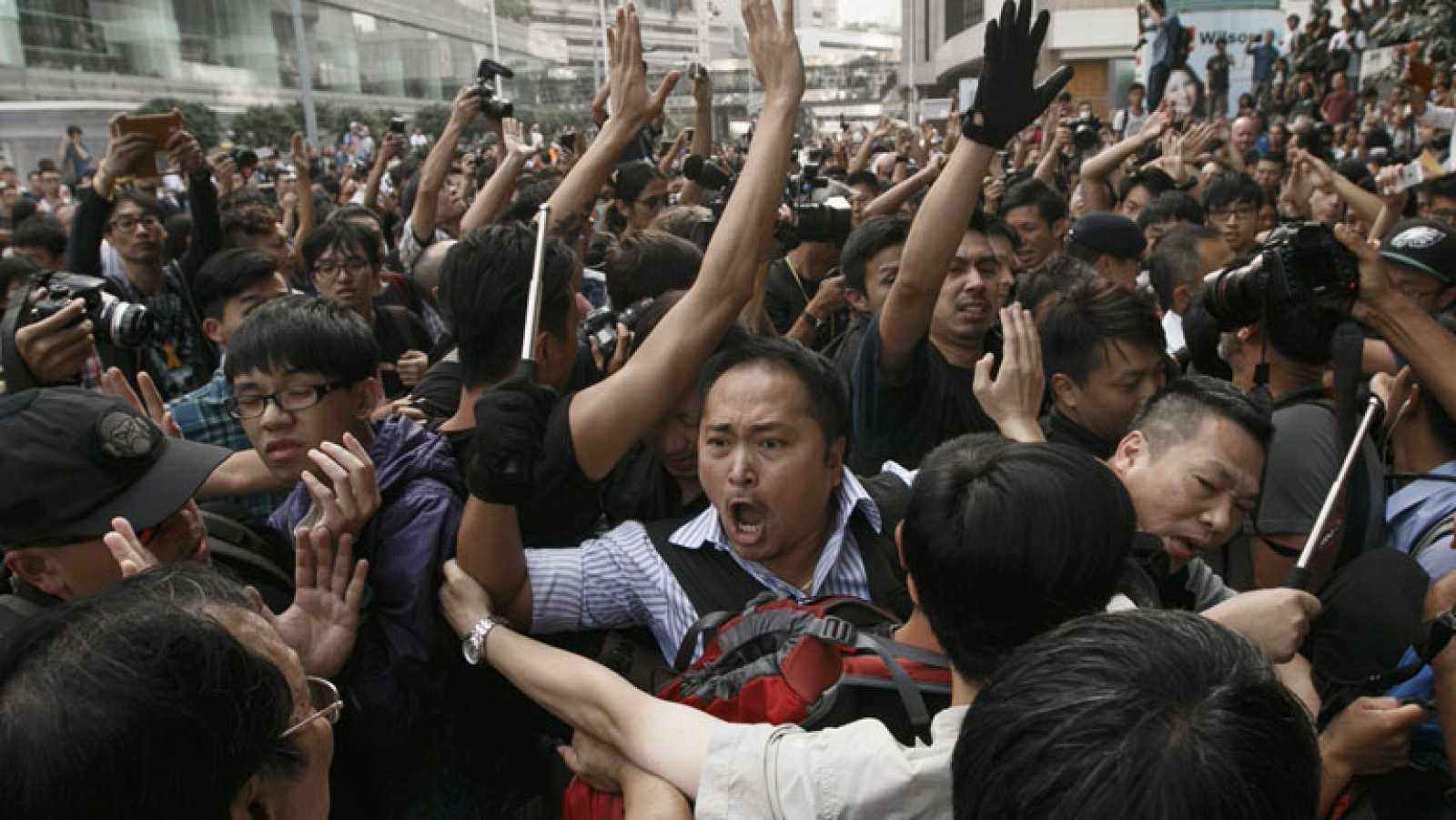 Vuelve la tensión a las calles de Hong Kong