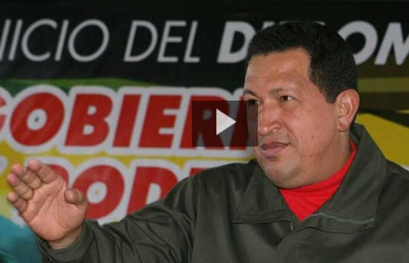 """En un mitin para mostrar su apoyo al presidente de Bolivia, Hugo Chávez ha llamado """"yanquis de mierda"""" a los norteamericanos."""