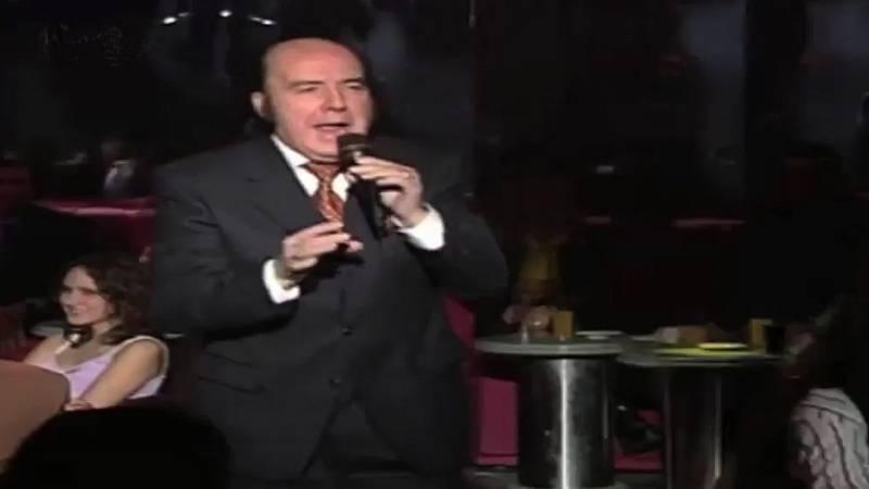 Chiquito de la Calzada canta 'La culpa de fue del chachachá'