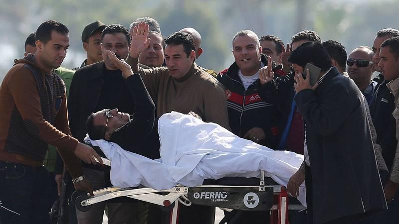 Mubarak es absuelto por la muerte de manifestantes en la revolución que le derrocó