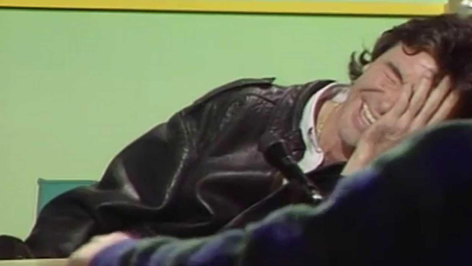 Inocentada: Ángel Nieto anuncia que correrá con sidecar (1986)