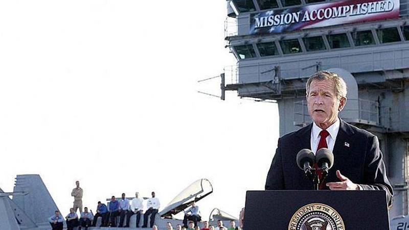 Archivo: George W. Bush declara terminadas las principales operaciones militares en Irak en 2003
