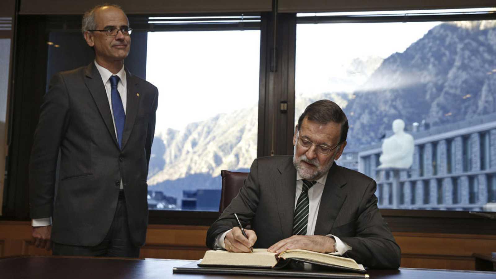 Rajoy reitera su solidaridad con Francia tras el atentado en el 'Charlie Hebdo'