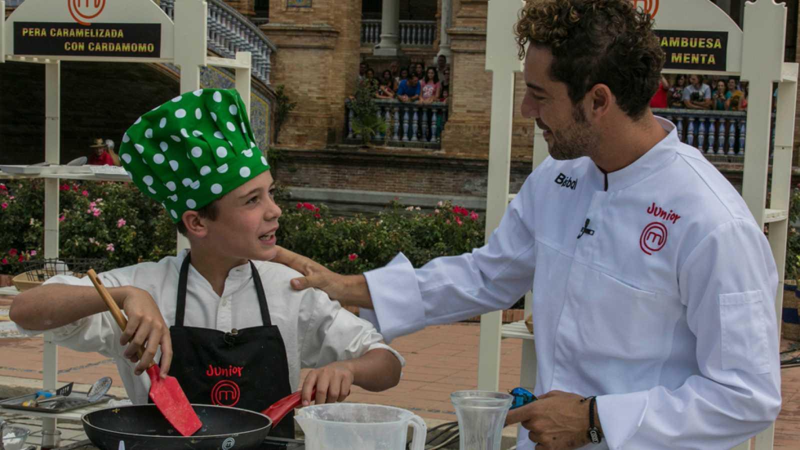 MasterChef Junior 2 - David Bisbal sorprende a los aspirantes en Sevilla