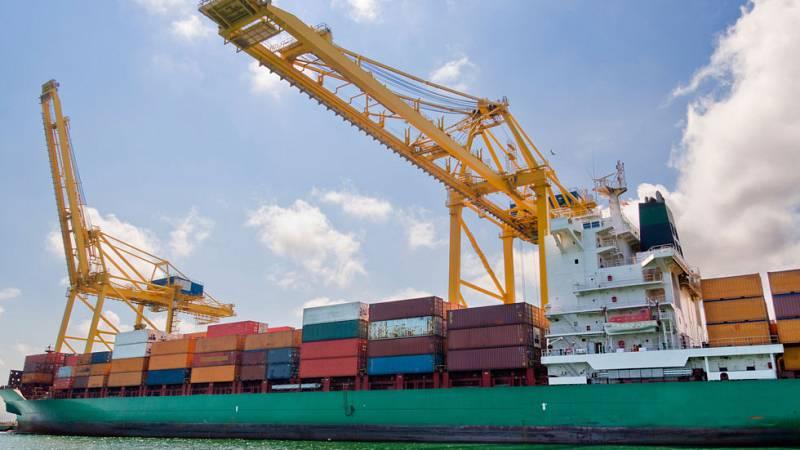 La industria exportadora es una de las grandes beneficiadas de la bajada del precio del petróleo