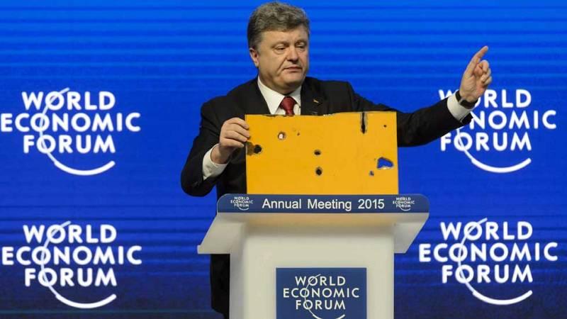 Poroshenko denuncia en Davos la participación de Rusia en el conflicto de Ucrania