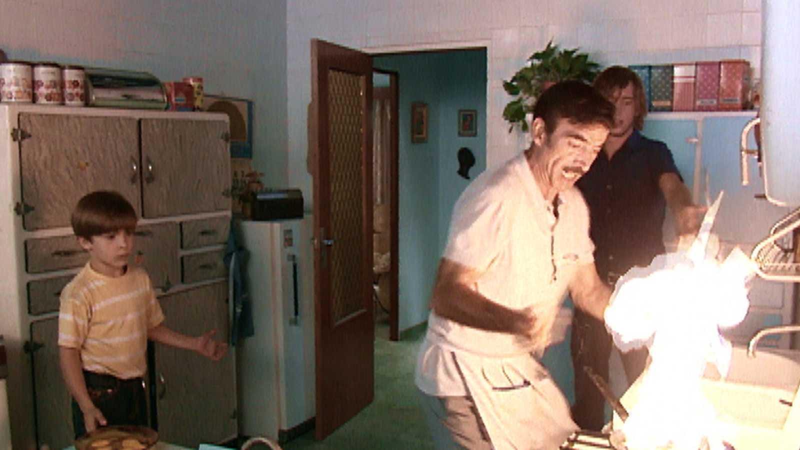 Antonio, a punto de quemar la cocina