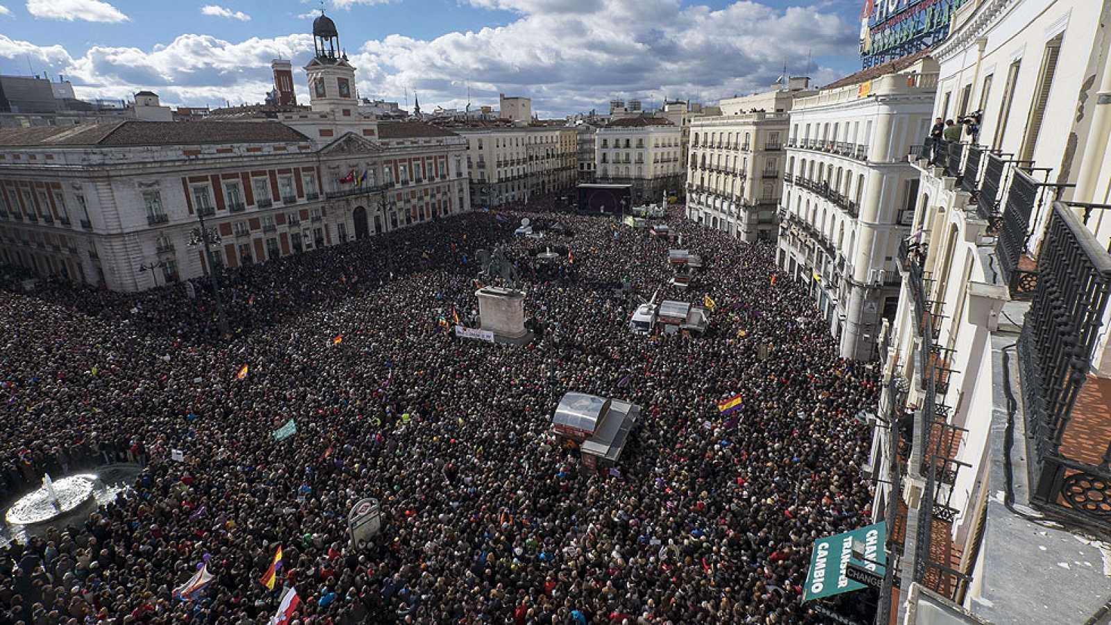 Miles de personas han acudido a la marcha del cambio convocada por Podemos