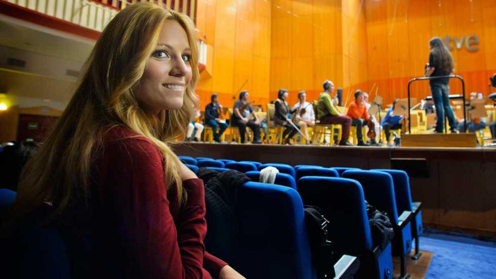 """Edurne graba """"Amanecer"""" con la Orquesta y Coro de RTVE"""