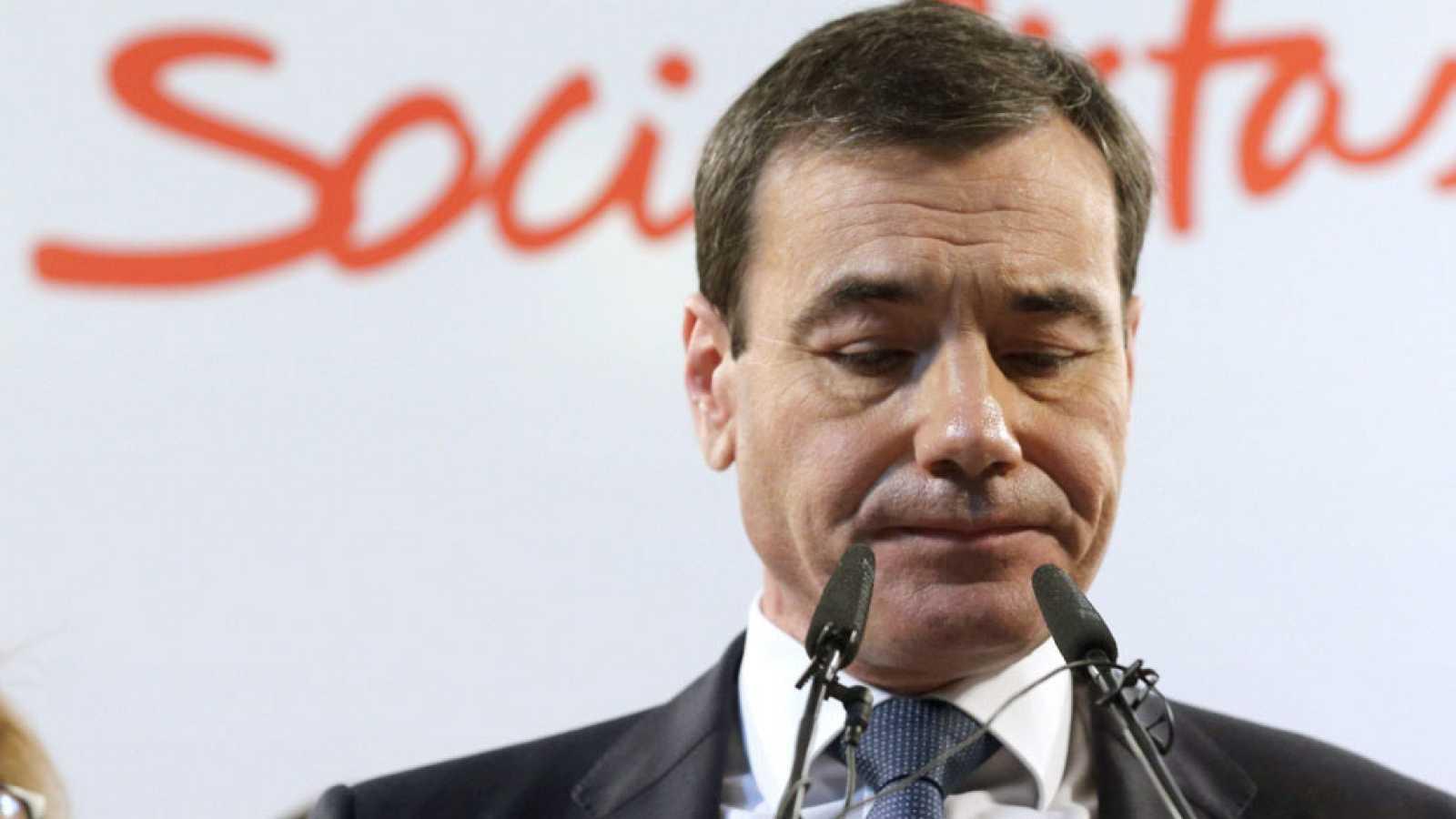Pedro Sánchez destituye al líder del PSOE madrileño, Tomás Gómez