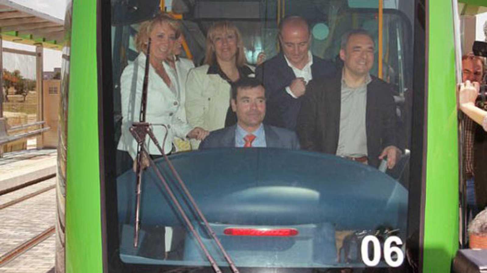 Tomás Gómez, señalado por los sobrecostes en el tranvía de Parla