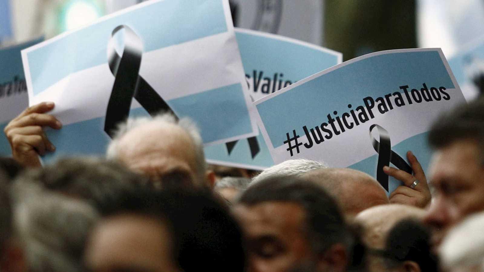 Los argentinos se vuelcan masivamente a las calles para reclamar justicia por la muerte del fiscal Alberto Nisman