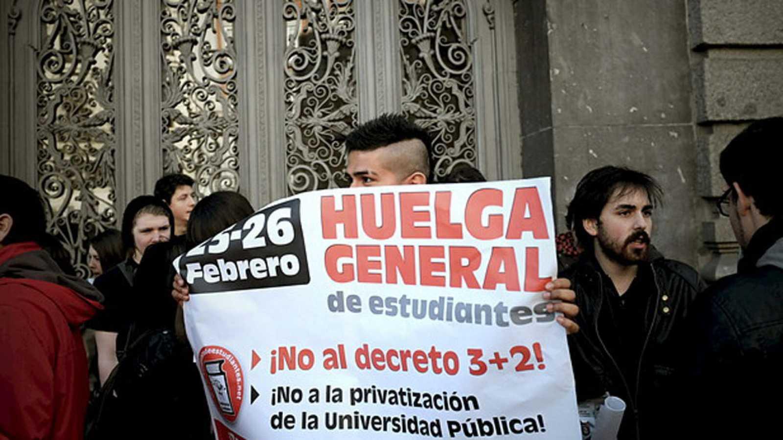Primer día de huelga en institutos y universidades contra el decreto del 3+2