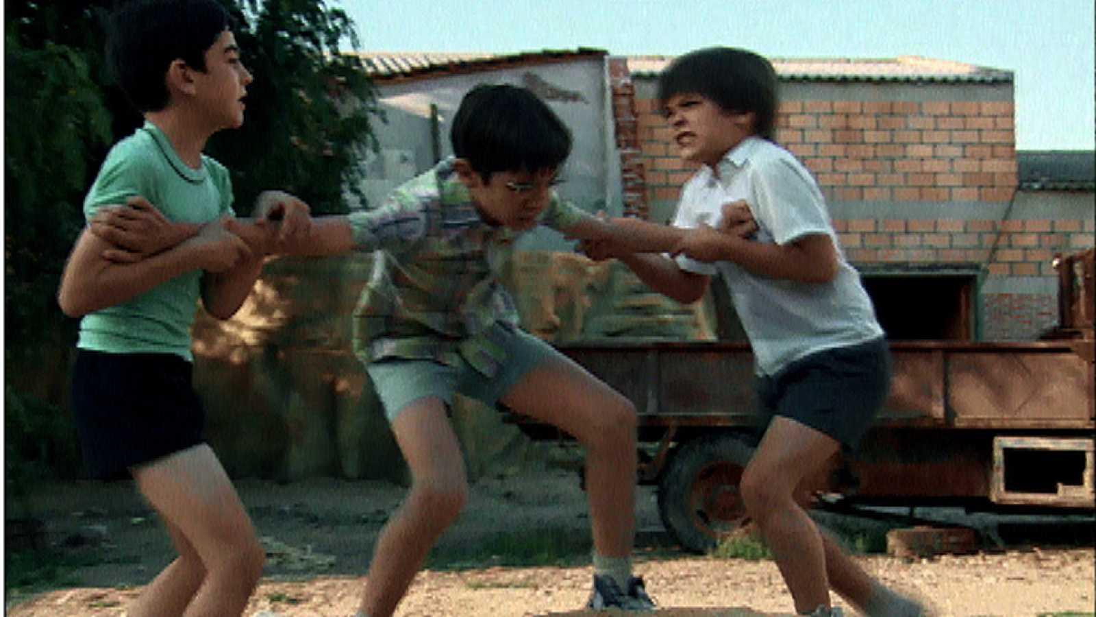 Cuéntame cómo pasó - Luisito pone paz entre Carlitos y Josete