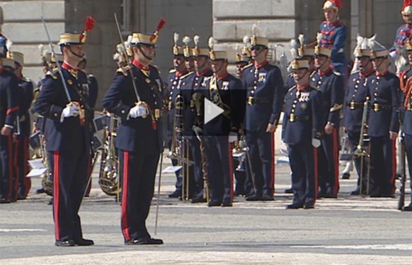 El cambio de Guardia en el Palacio Real vuelve de vacaciones