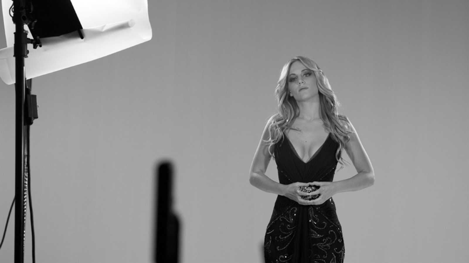Edurne, la representante española en el festiva de Eurovisión 2015, se somete a un cuestionario sobre moda y estilo.
