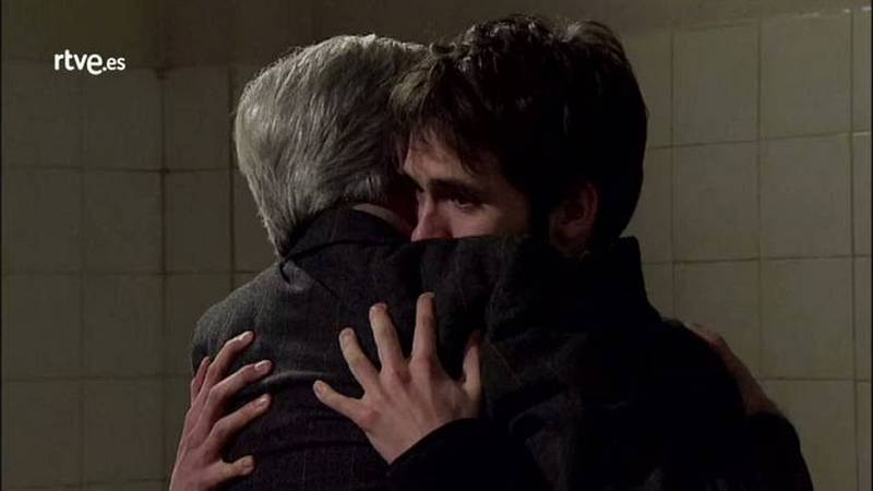 Antonio se derrumba tras reencontrarse con Carlos en la cárcel