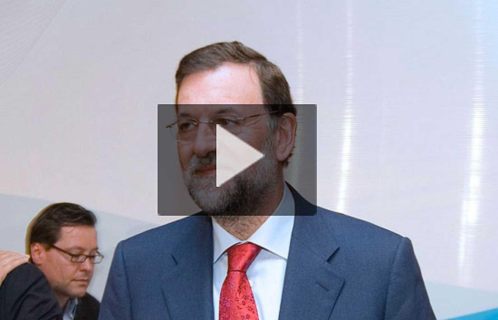 Rajoy pide al Gobierno medidas para ayudar a los ahorradores