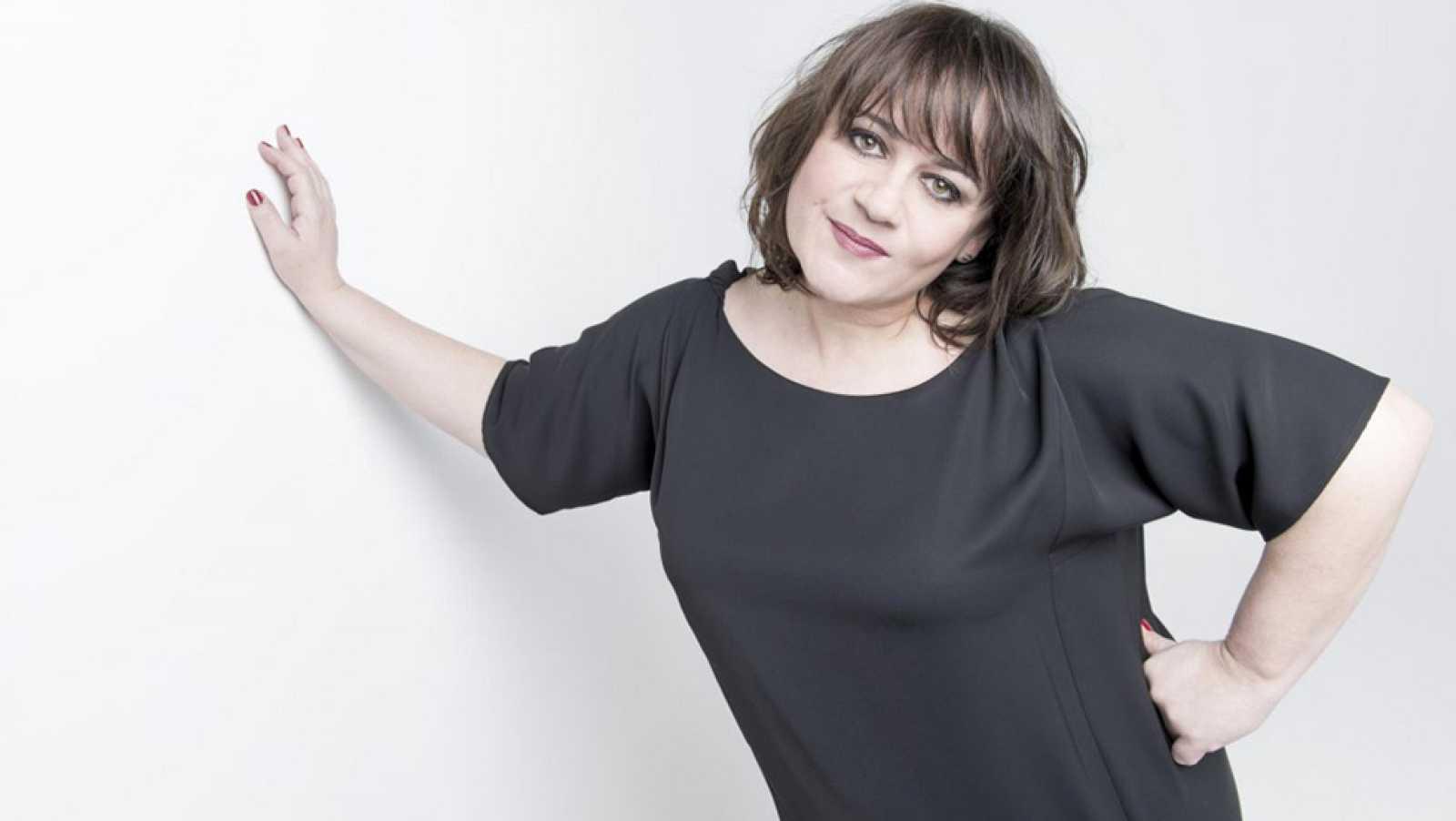 "Francia: Videoclip de Lisa Angell - ""N¿oubliez pas"""
