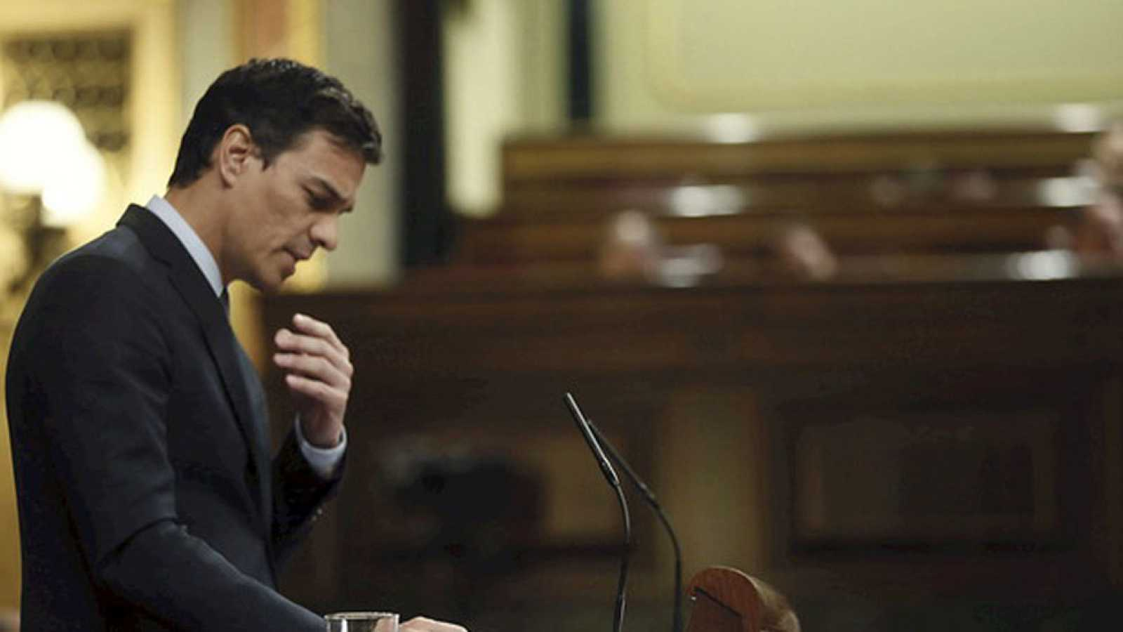 La oposición exige que se aclare si Rato se acogió a la amnistía y Sánchez pide que Montoro dimita