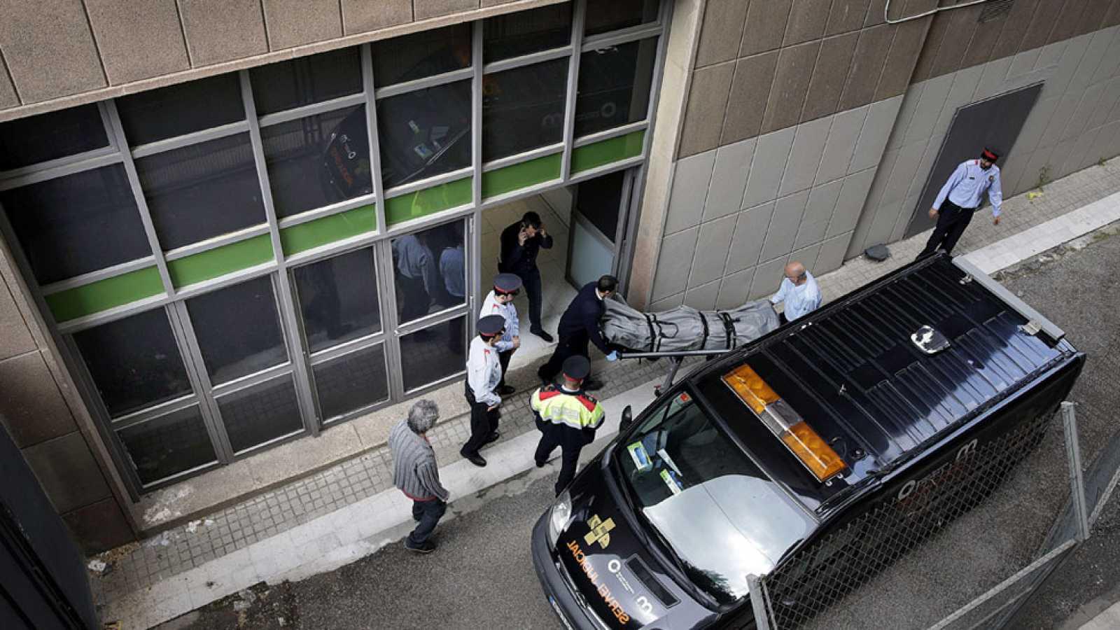 Un profesor muerto y cuatro heridos a manos de un alumno en un instituto de Barcelona