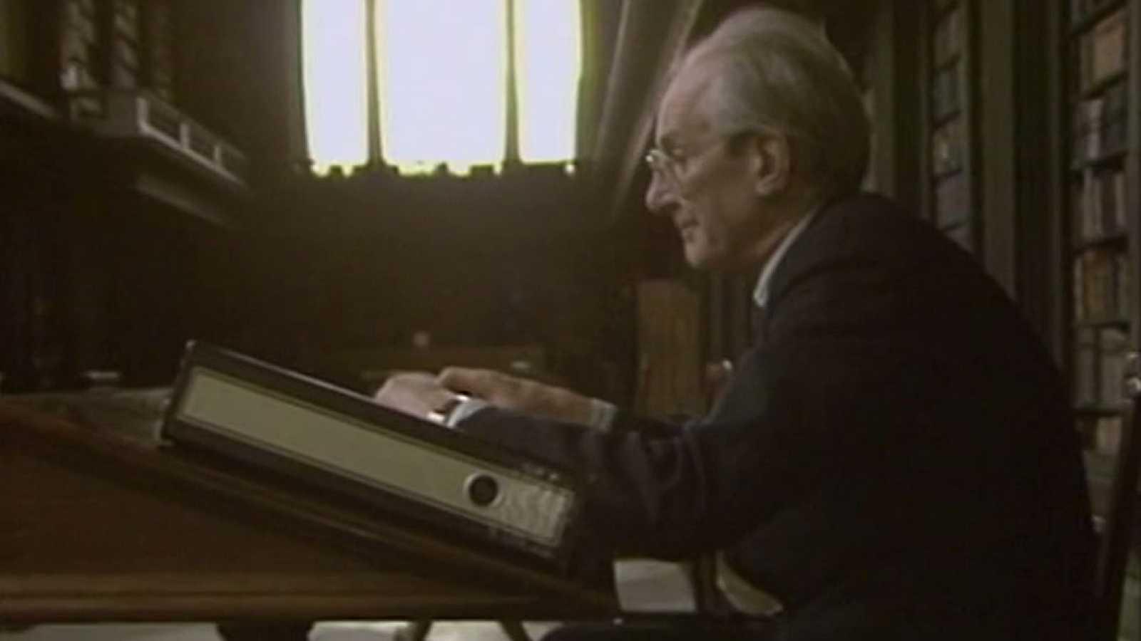 Muere el hispanista Raymond Carr a los 96 años